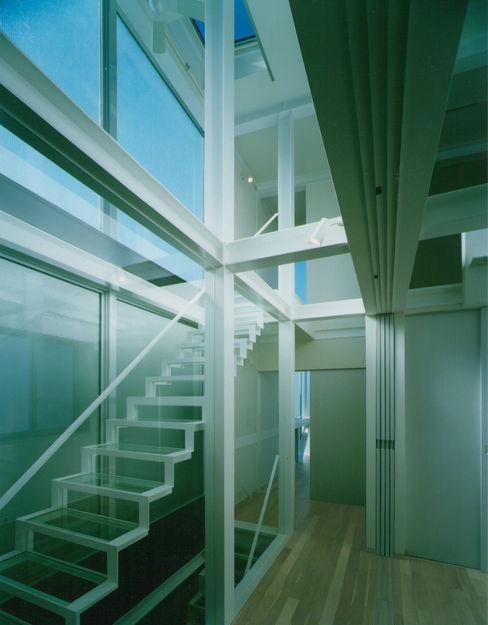 原 空間工作所 HARA Urban Space Factory Modern Corridor, Hallway and Staircase Glass Transparent