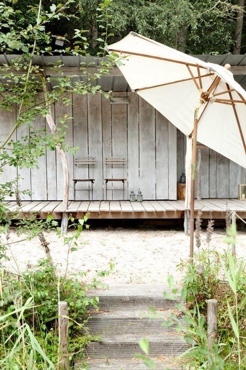 Haus Witzhave raphaeldesign Balkon, Veranda & Terrasse im Landhausstil