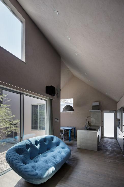 Elephant House 中西ひろむ建築設計事務所/Hiromu Nakanishi Architects Living room Wood Grey