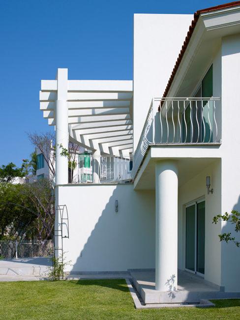 TERRAZA Excelencia en Diseño Balcones y terrazas modernos