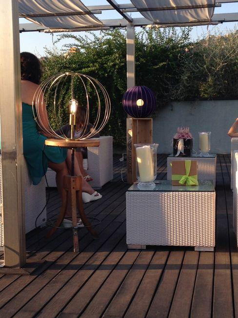 lampada nude- sfilata su terrazza Cambio Stanza di mara bernardi Giardino classico