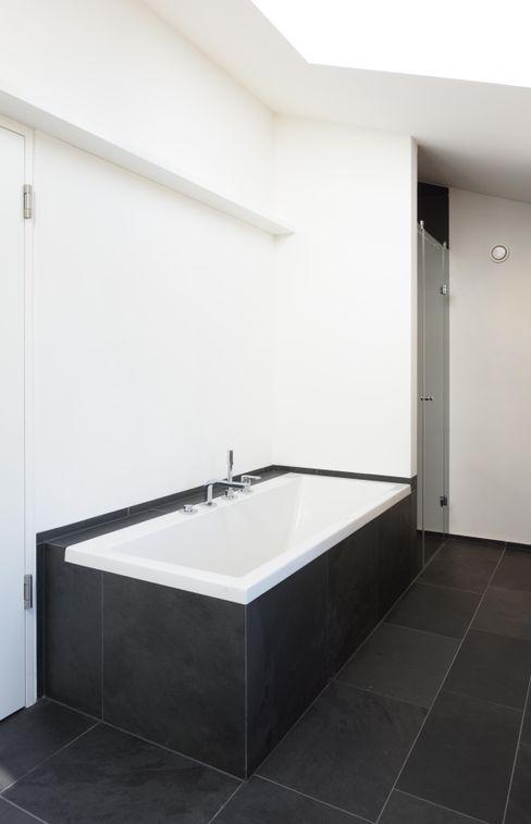 Haus Wieckin Ванная комната в стиле модерн