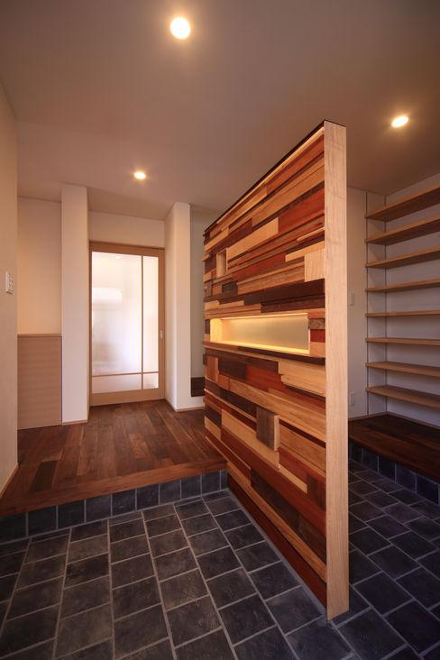 積木貼り MA設計室 オリジナルスタイルの 玄関&廊下&階段