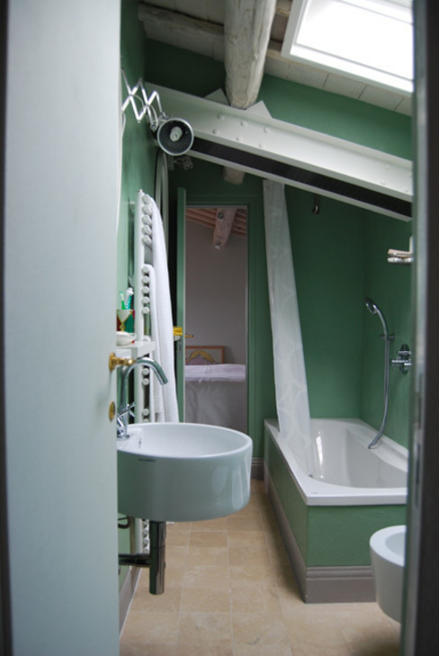 ARCHITETTO MARIANTONIETTA CANEPA Rustic style bathroom