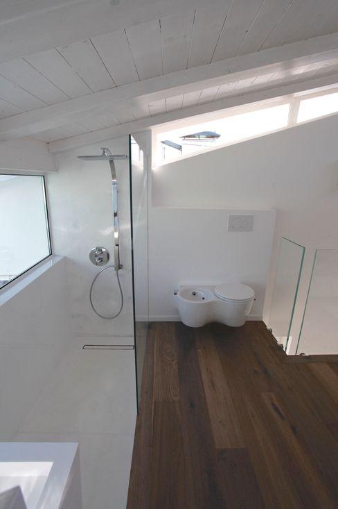 Mangodesign Modern Bathroom