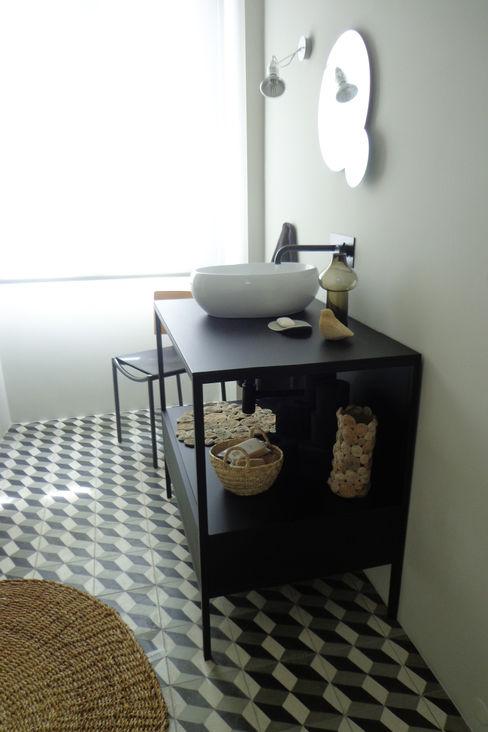 Consigo Interiores Eclectic style bathroom