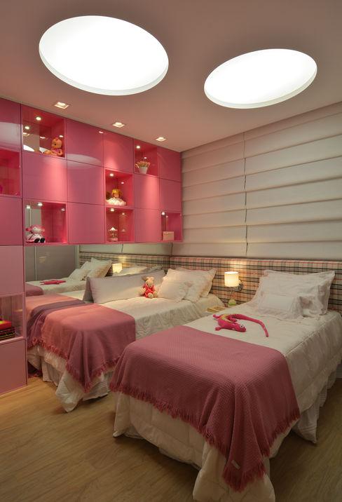 Apartamento Itacorubi Gran Classic 1 ANNA MAYA ARQUITETURA E ARTE Quarto infantil moderno Rosa