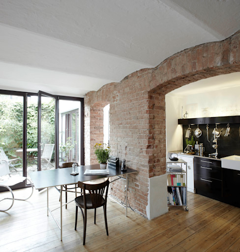 Wirth Architekten Salones de estilo industrial