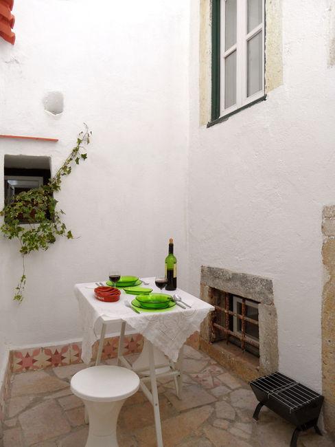 atelier B-L Mediterranean style balcony, veranda & terrace