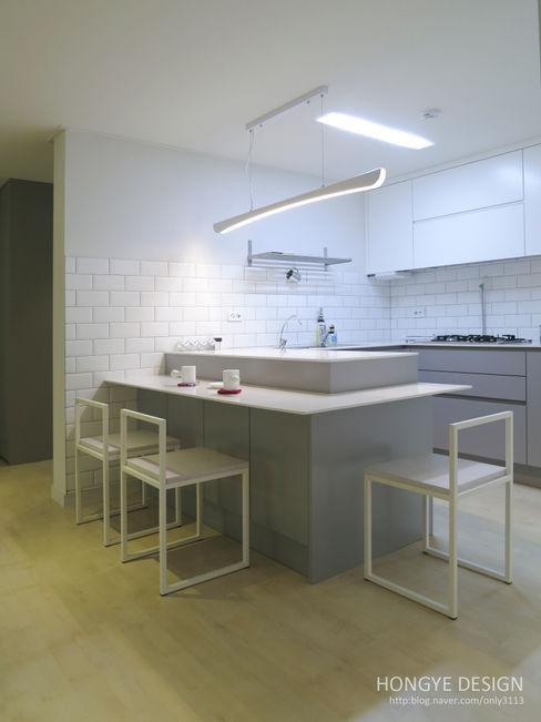 홍예디자인 現代廚房設計點子、靈感&圖片