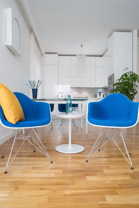 Marcella Pane Modern living room