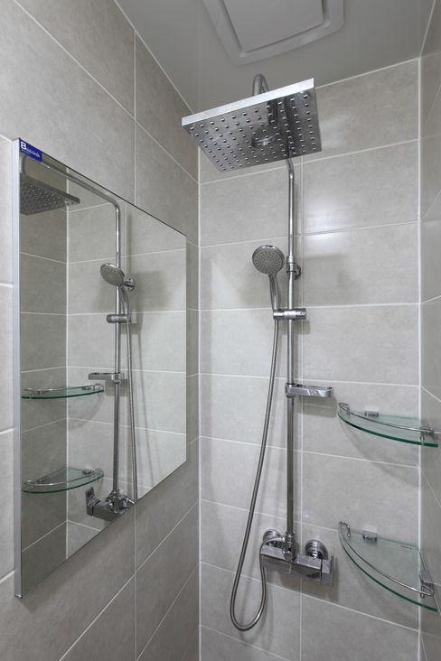 homify Casas de banho modernas