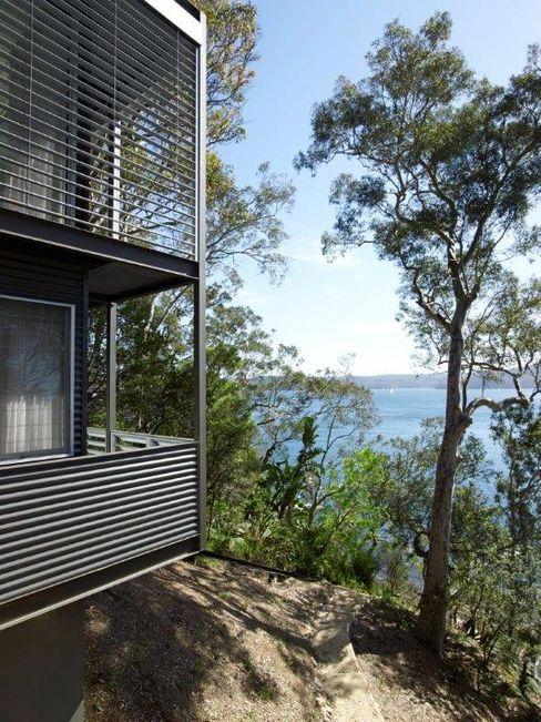 Avalon House Greg Natale Design Modern balcony, veranda & terrace
