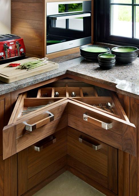 Grosvenor   Luxury American Walnut Kitchen Davonport Cocinas modernas Madera Acabado en madera