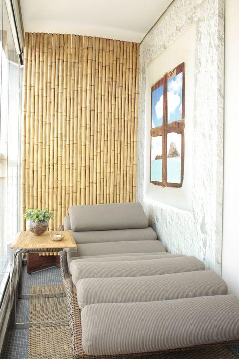 Fernanda Moreira - DESIGN DE INTERIORES Modern Terrace Bamboo Yellow
