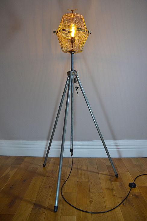 TALL FLOOR LIGHT 'FREE AS A BIRD' it's a light Living room