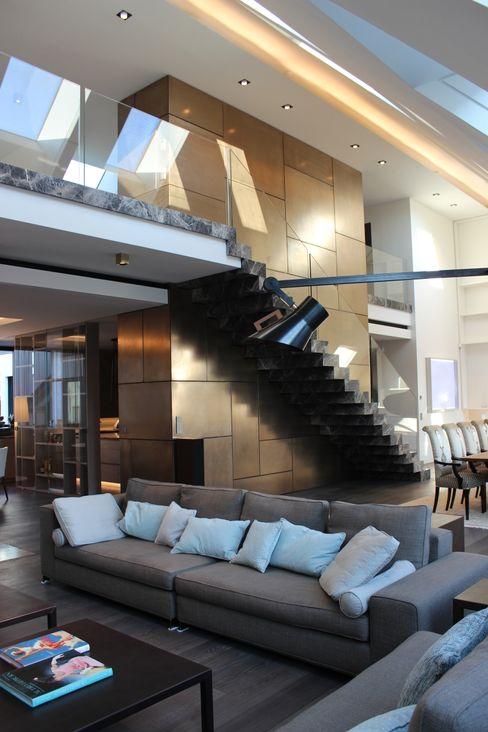 Wohnung E SMART LIVING GmbH Moderne Wohnzimmer