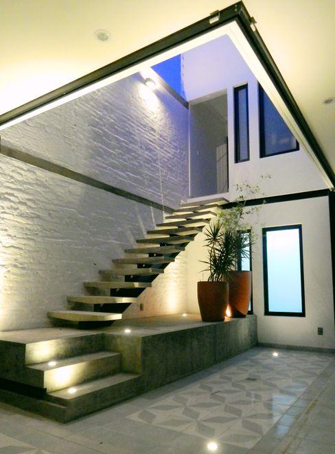 Boquer 3 Industrialer Flur, Diele & Treppenhaus