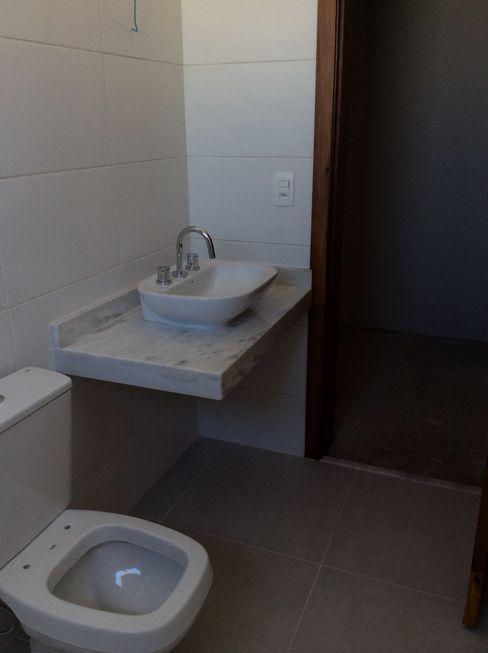 Banho Suite Vanda Carobrezzi - Design de Interiores Casas de banho rústicas