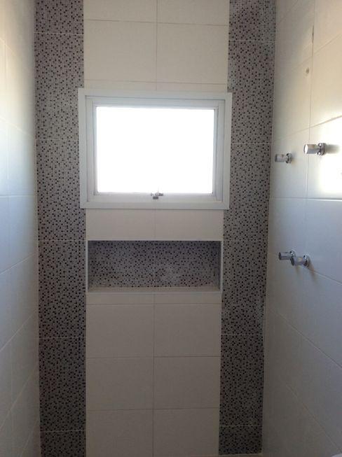 Banho Suite - Nicho revestido Vanda Carobrezzi - Design de Interiores Casas de banho rústicas