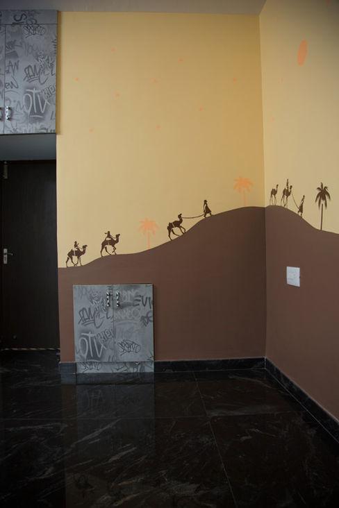 homify 和風スタイルの 壁&フローリングデザイン