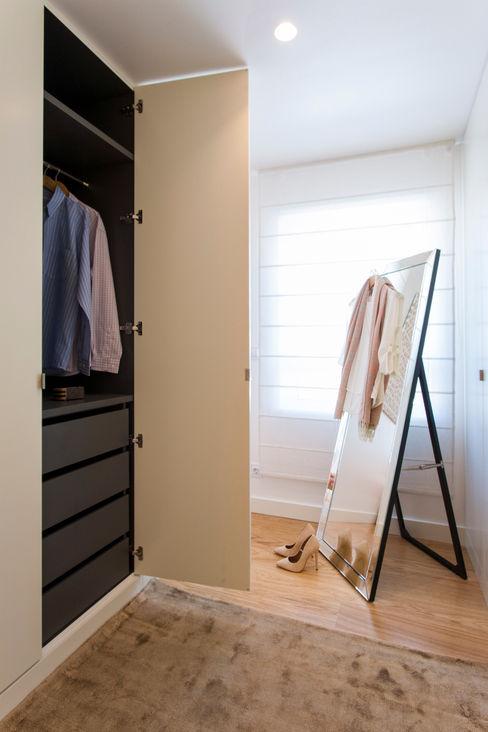 Traço Magenta - Design de Interiores Vestidores y placares modernos