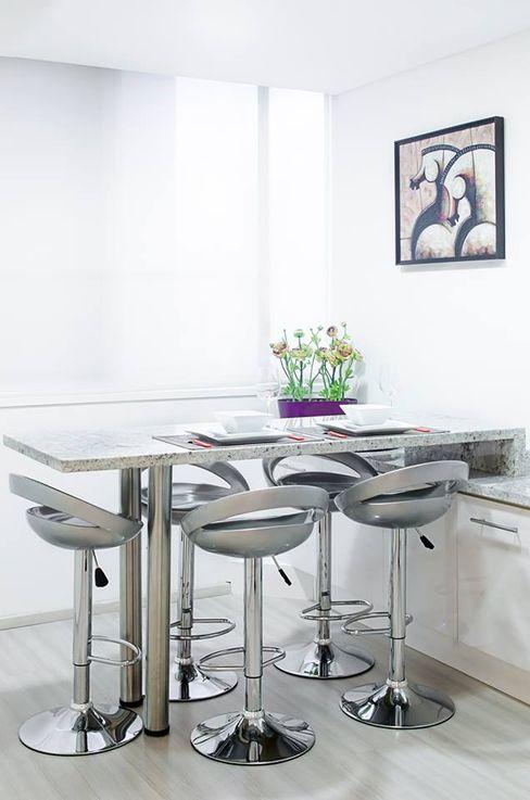 . Belhogar Diseños, C.A. Cocinas de estilo moderno Blanco