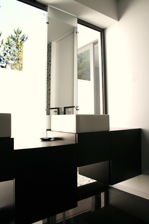 TRAMA arquitetos Ванна кімната