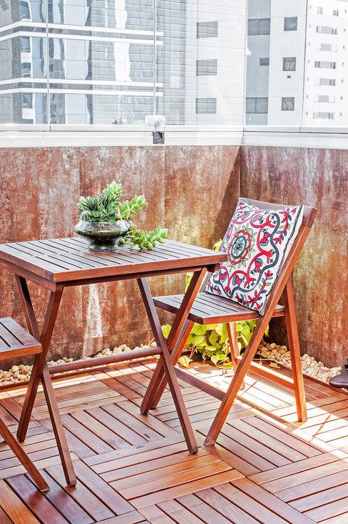 Patrícia Azoni Arquitetura + Arte & Design Balkon, Beranda & Teras Modern
