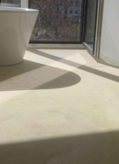 LEOSTEEN Steinholz - farbiger Beton aus Naturstoffen Modern Bathroom Stone Beige