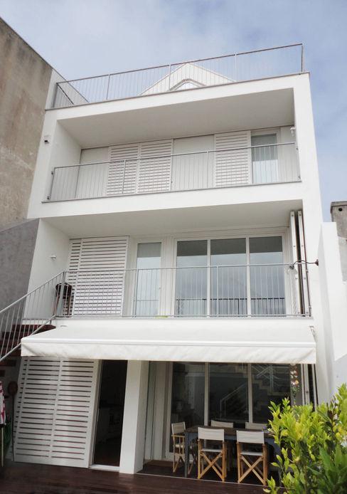 GAAPE - ARQUITECTURA, PLANEAMENTO E ENGENHARIA, LDA Casas de estilo ecléctico