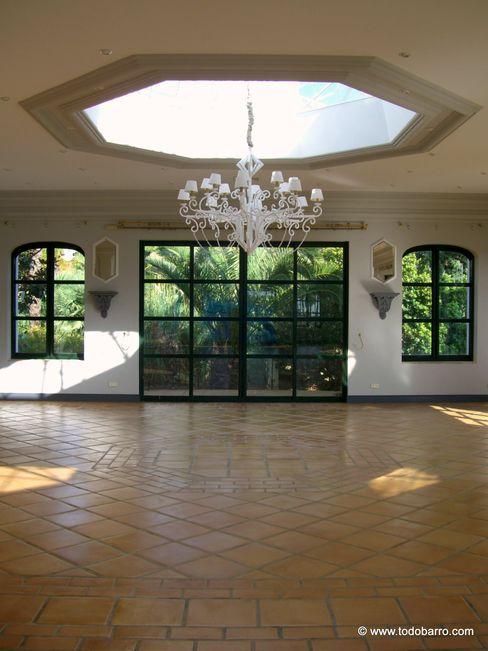 Hotel La Quinta Golf Marbella todobarro Hoteles de estilo mediterráneo Cerámico Marrón