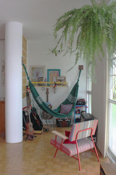 cantinho da música - ap bossa omnibus arquitetura Salas de estar modernas