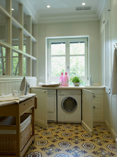 DEULONDER arquitectura domestica Classic style kitchen White