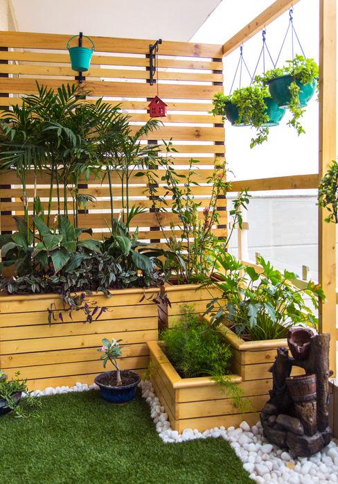 Balcony makeover - English Studio Earthbox Country style balcony, veranda & terrace