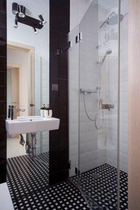 ZIZI STUDIO Magdalena Latos Eclectic style bathroom Black