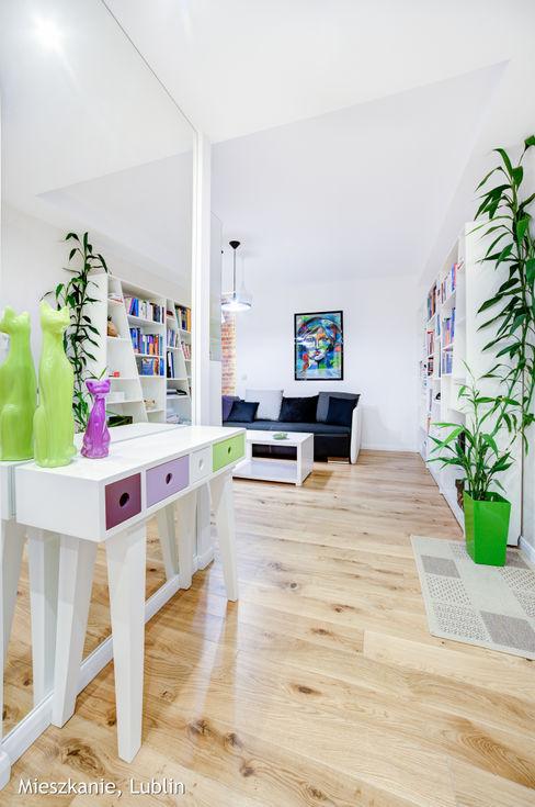 mieszkanie na Felinie Lublin Auraprojekt Rustykalny korytarz, przedpokój i schody