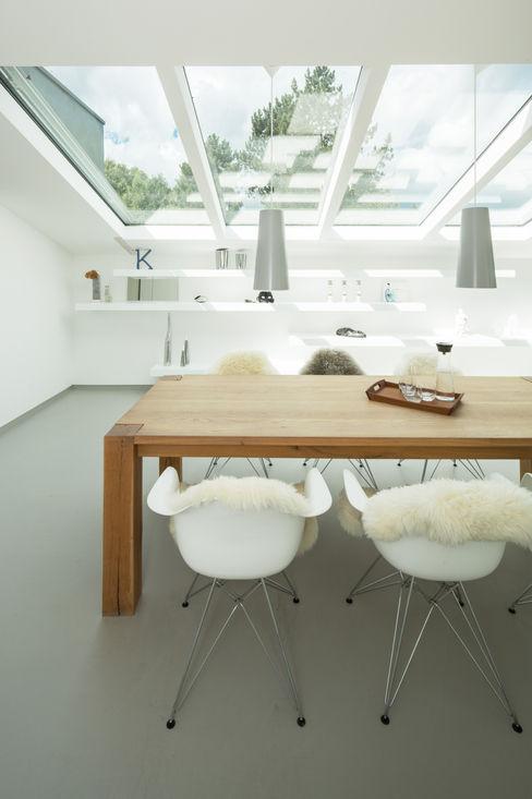 Sanierung einer Dachgeschosswohnung Karl Kaffenberger Architektur | Einrichtung Moderne Wohnzimmer