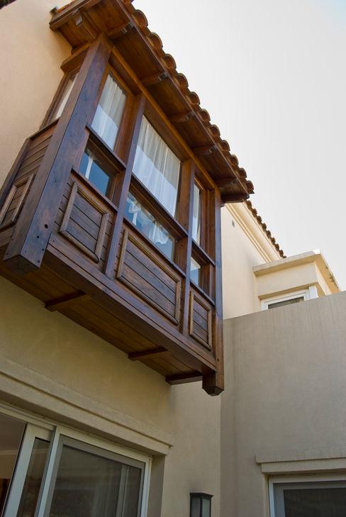 LLACAY arquitectos Klassische Häuser