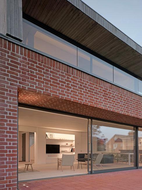 Rear elevation of the house at Broad Street in Suffolk Nash Baker Architects Ltd Будинки Цегла Червоний