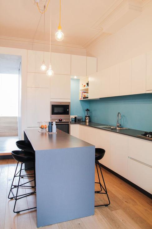 Rénovation d'un appartement bruxellois Alizée Dassonville   architecture Cuisine moderne