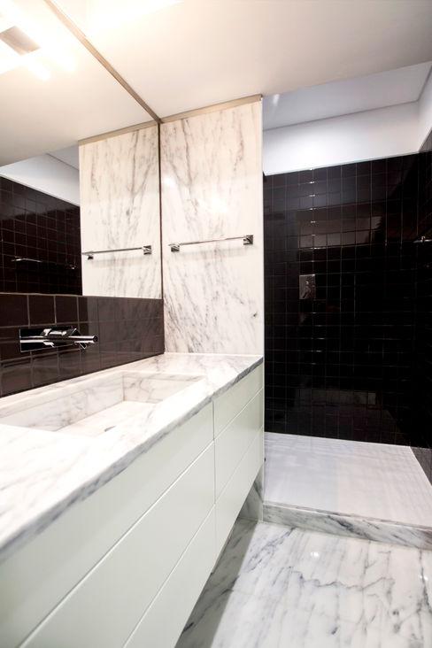 Landmark Arquitectos 모던스타일 욕실 세라믹 검정