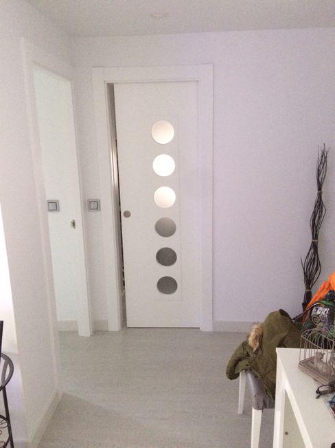 DISTRIBUIDOR Nahar Gres, S.L. Puertas y ventanas de estilo moderno