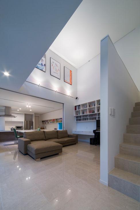 Kenji Yanagawa Architect and Associates Moderne Wohnzimmer