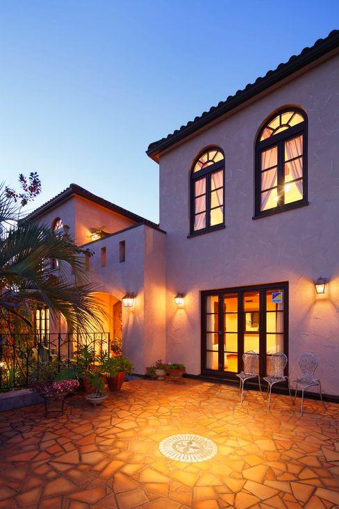 SANKAIDO | 株式会社 参會堂 Mediterranean style house
