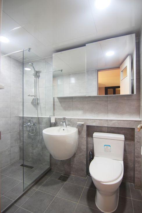 Light&Salt Design Baños modernos