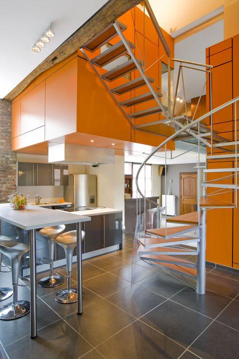 Habitation JSP VORTEX atelier d'architecture Couloir, entrée, escaliers modernes