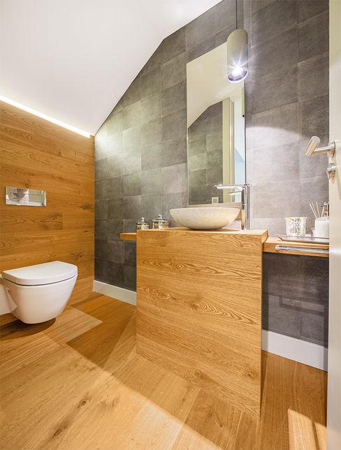 Tarimas de Autor 現代浴室設計點子、靈感&圖片 木頭