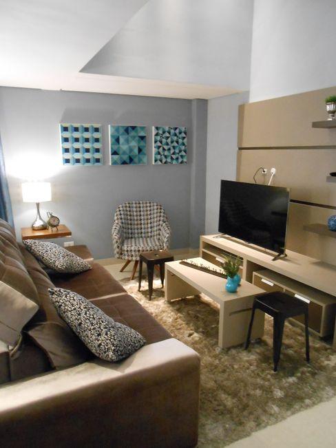 sala de estar - bege, cinza, azul e marrom Mariana Von Kruger Modern living room