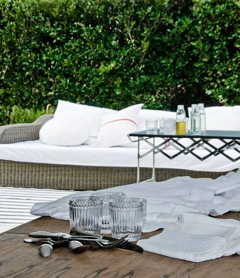 CASA EN SAN ISIDRO Arq. PAULA de ELIA & Asociados Jardines modernos: Ideas, imágenes y decoración
